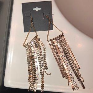 Jewelry - Woman's earring